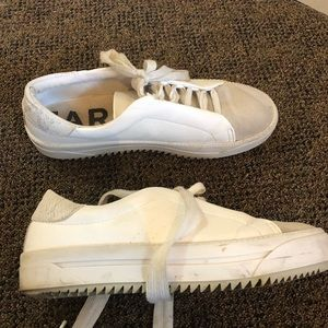 White shoes with platform good condition
